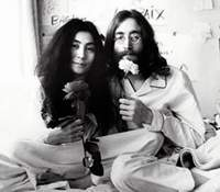 Yoko Ono et John Lennon en plein bed-in pour la paix
