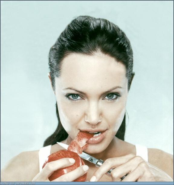 Angelina Jolie, un ange...?