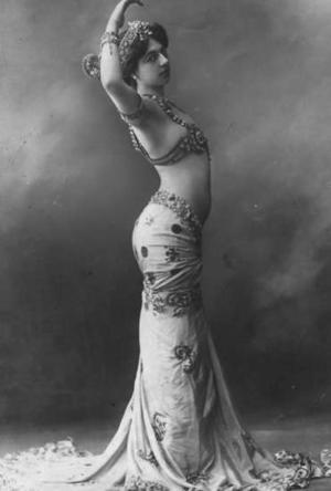 Mata Hari, dans une de ses danses endiablées