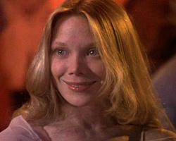 Carrie White est une adolescente comme les autres. Mais Stephen King l'imagine bien différemment.