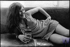 """Janis Joplin, la chanteuse la plus puissante émergeant des sixties et du """"rock blanc"""". Quelle allure à Woodstock 1969!"""